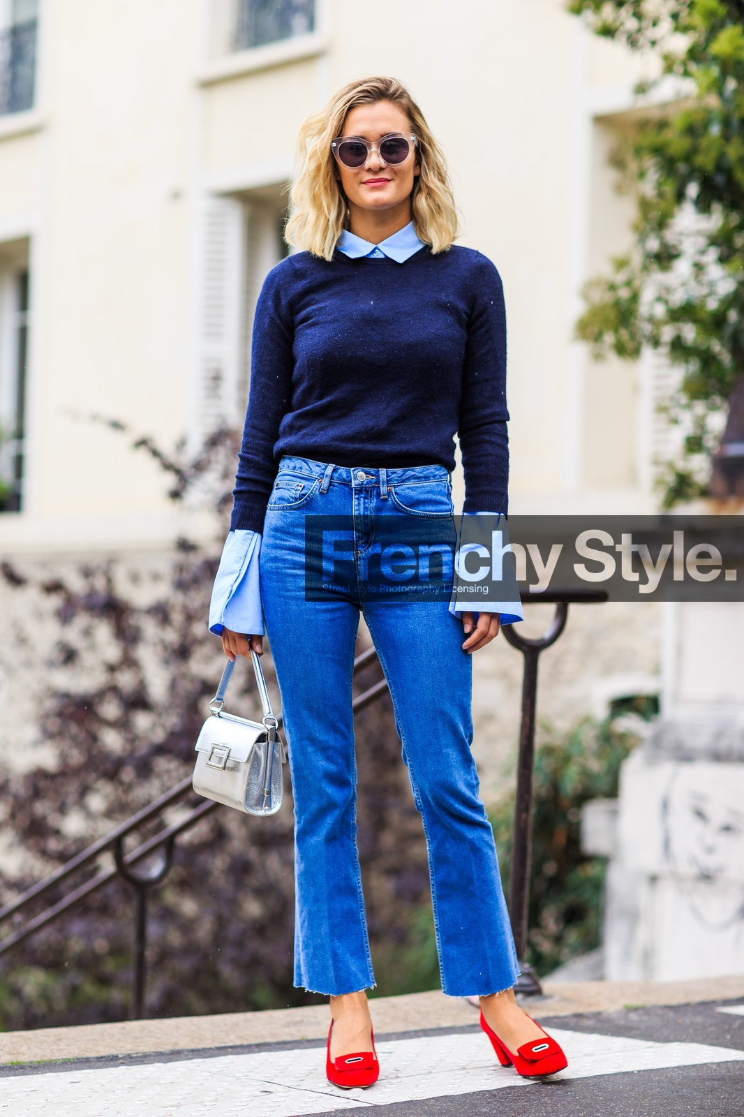 Jan 20,  · Blue pants are the most safe and stylish pair of pants that one should always have in their closet. You can pair any earthy colour with blue the most common combinations are, 1) WHITE, It is the best friend of colour blue, nothing can go wrong with this colour.